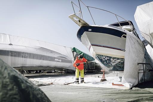 Sanera båtbotten